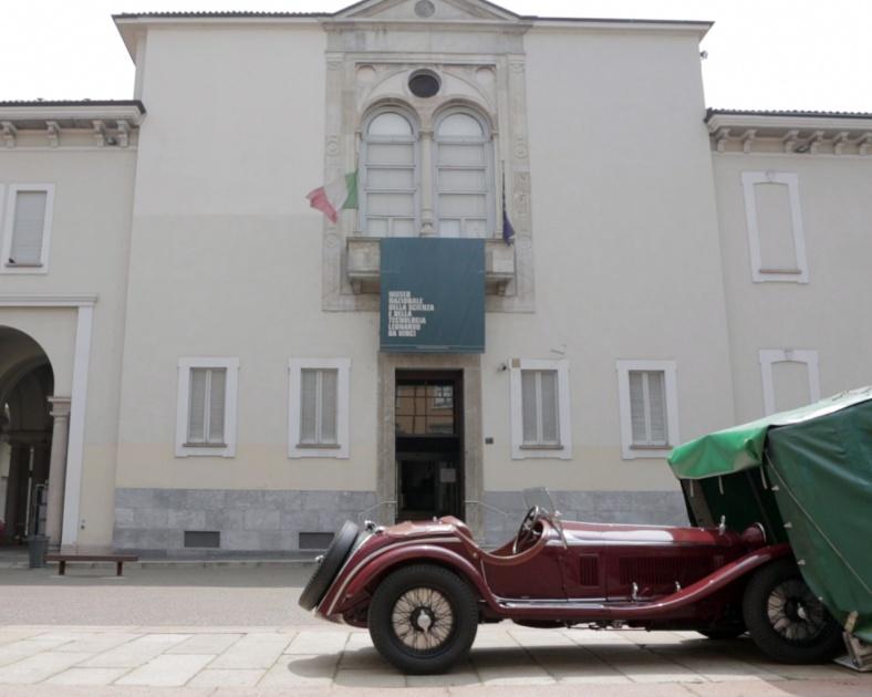 12 AlfaRomeo8C Zagato_Arrivo Museo Scienza