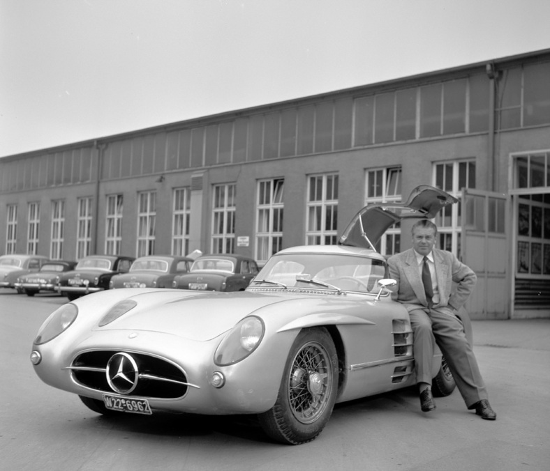 Rudolf Uhlenhaut with his Uhlenhaut-Coupé, the 300 SLR (W196 S) 1955