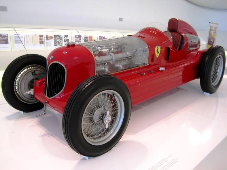 Car_Musée_Enzo_Ferrari_0048 - pic Arnaud 25 -wikimedia