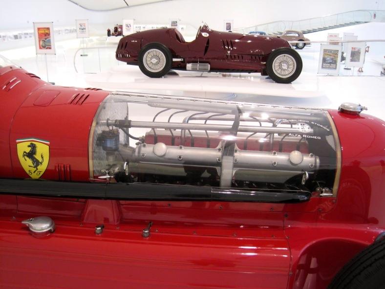 Car_Musée_Enzo_Ferrari_0050 - Arnaud 25 - wikim