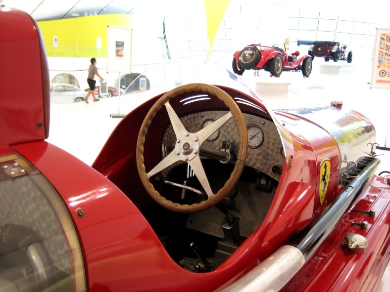 Car_Musée_Enzo_Ferrari_0051 - pic Arnaud 25 - wikim