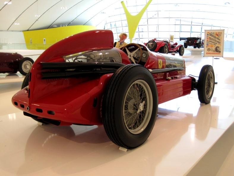 Car_Musée_Enzo_Ferrari_0052 - pic Arnaud 25 - wikim